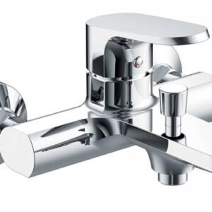 Смеситель для ванны c коротким изливом Bravat Pure